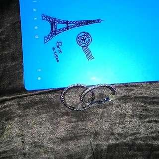 50元專區(只要是50元專區的商品,一件50元,三件100元。圓環白鑽耳環,是可夾,可穿式。單一款50元。愛心白鑽耳環。也是單一款50元。