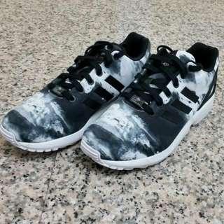 (暫售)九成極新~香港公司貨Adidas Originals Zx Flux 渲染配色 UK7.5號