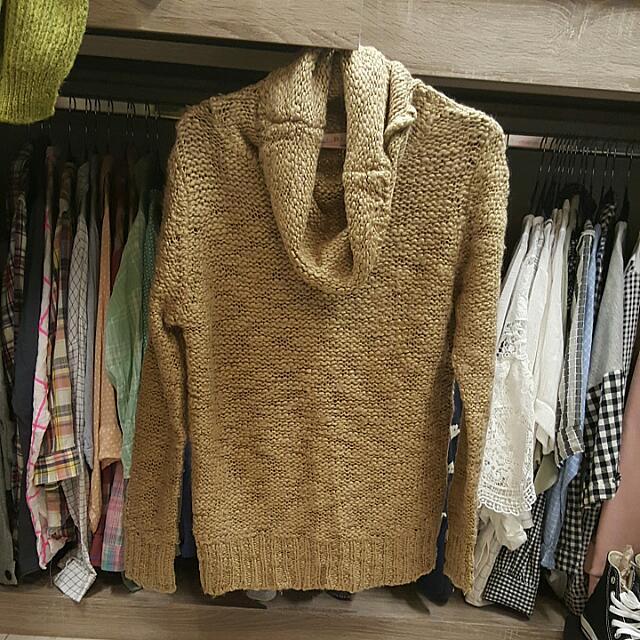 垂領中長版針織衣