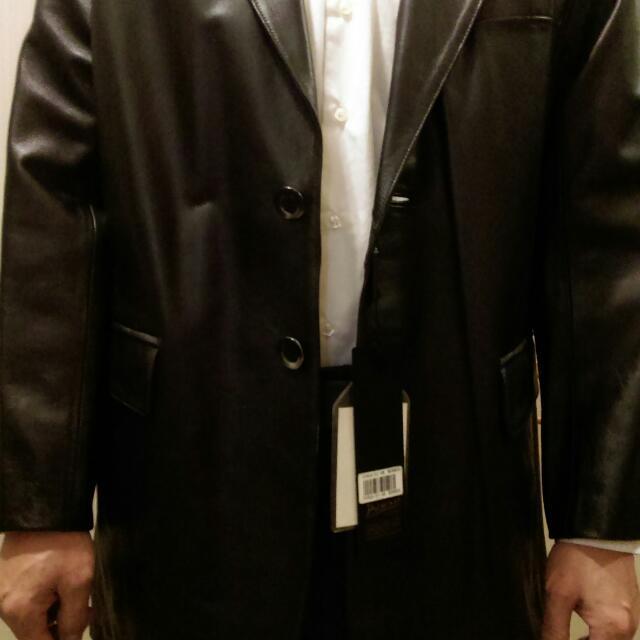 皮卡索黑色真皮西裝