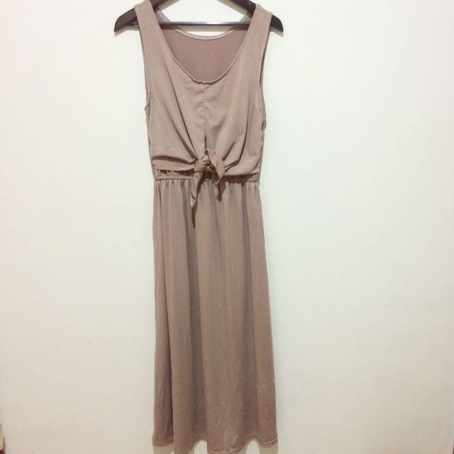 杏色長版洋裝