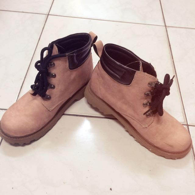 粉色質感短靴