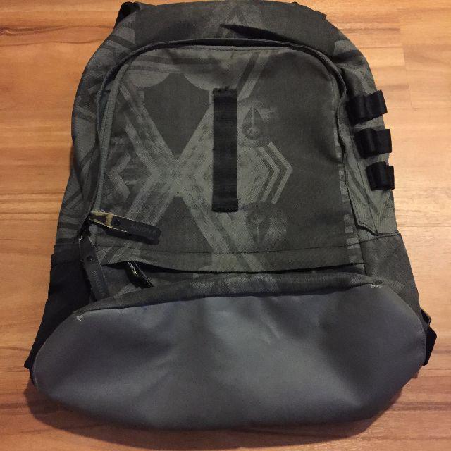 nixon 後背包 (衝浪牌) 在敦化旗艦店購買