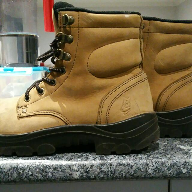 SteelBlue Steel Capped Boots - Size 9