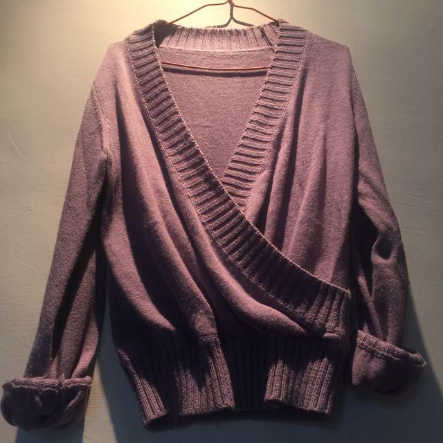 淡紫色v字交叉設計毛衣