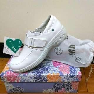 低價急出清-全新護士鞋