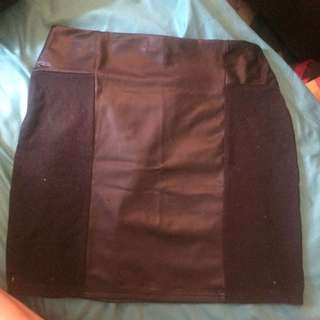 Leather/material Skirt