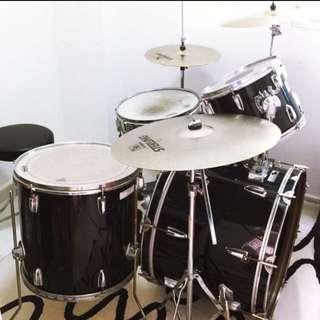 Yamaha DP series drum kit