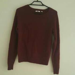 Uniqlo maroon jumper