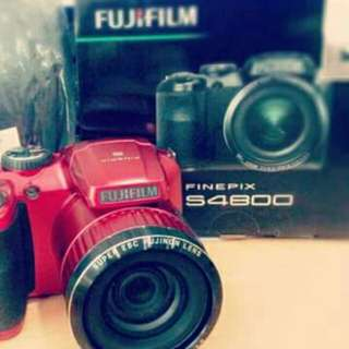 Fujifilm Finepix S4800 Red