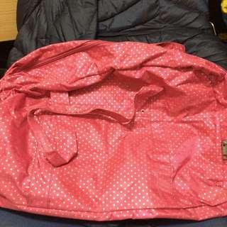 桃紅色旅行袋