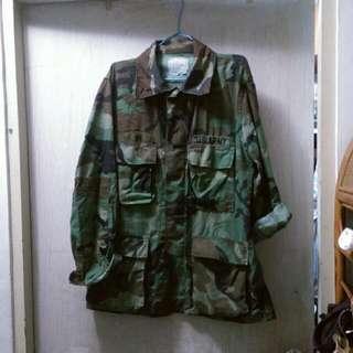 🔸認真軍人迷彩外套
