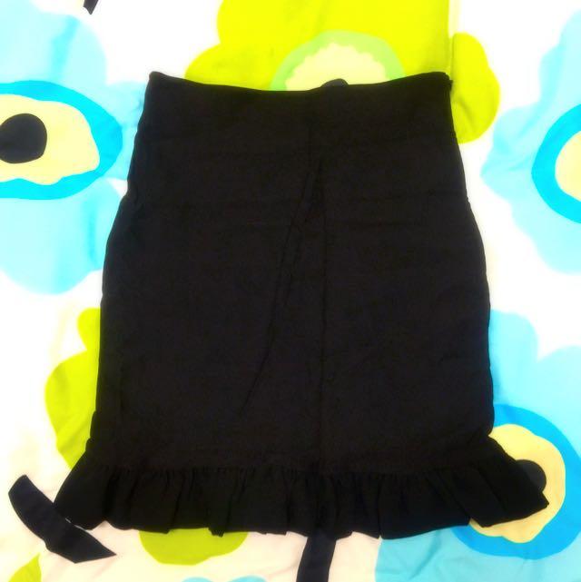50% 可愛荷葉下擺黑色小裙子