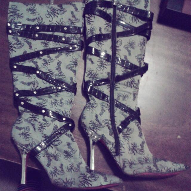 apple bottom heels