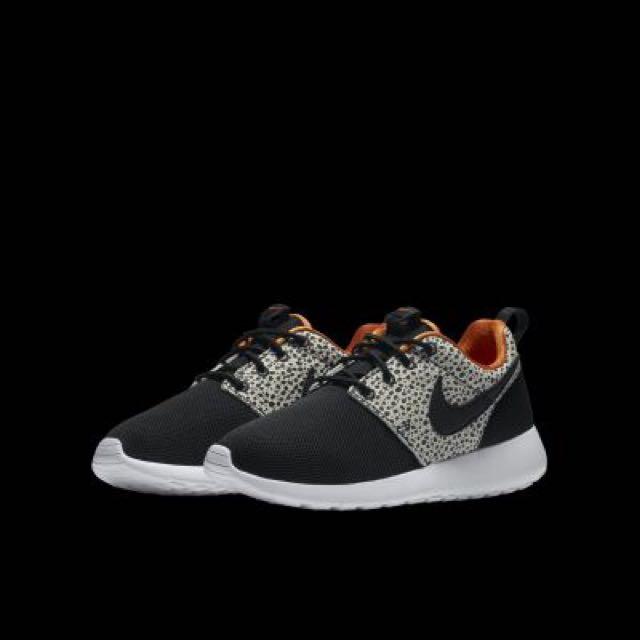 83b919ee5849 NIKE ROSHE ONE SAFARI (GS) Kids  Shoe