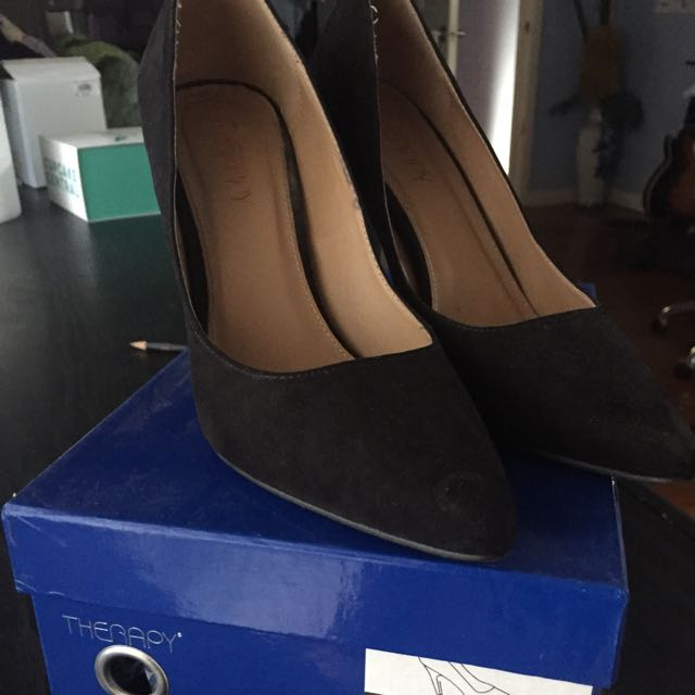 THERAPY black Heels