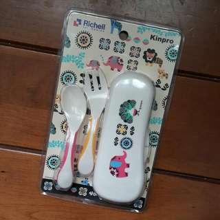 全新利其爾兒童動物款餐具含盒