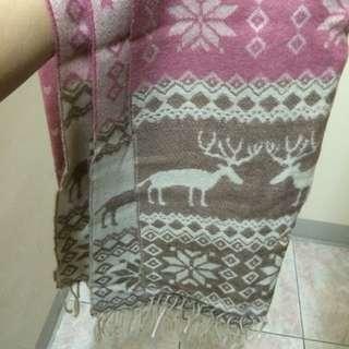 粉紅色麋鹿圍巾