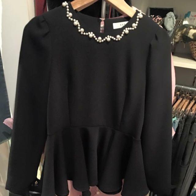 正韓-全新珍珠黑上衣