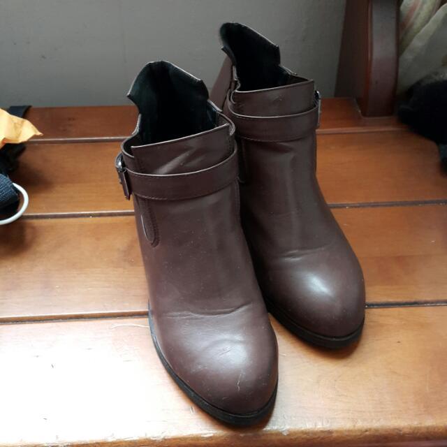 D+AF時髦鬆緊帶釦環粗咖啡色跟短靴