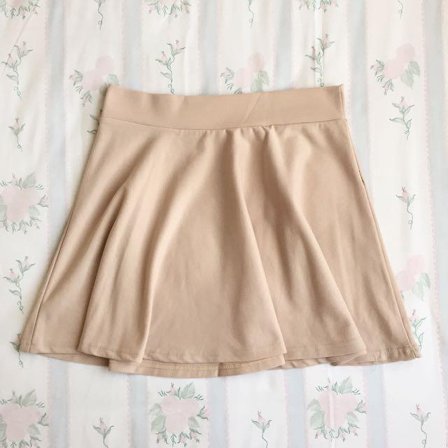 Basic Creme Skirt