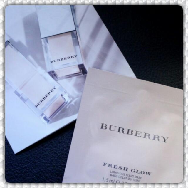 Burberry Fresh Glow Luminous Fluid Base (Sample Size 1,5ml)