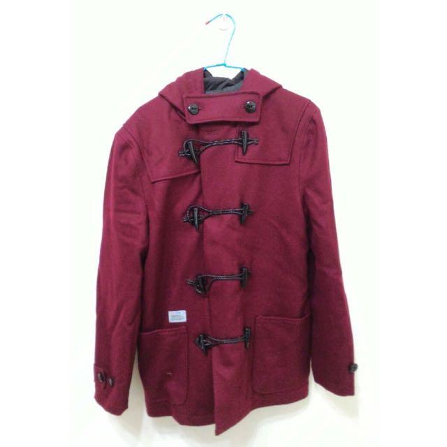 Hometown 男生紅色牛角外套