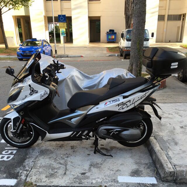 kymco xciting 400i well maintain scooter motorbikes on. Black Bedroom Furniture Sets. Home Design Ideas