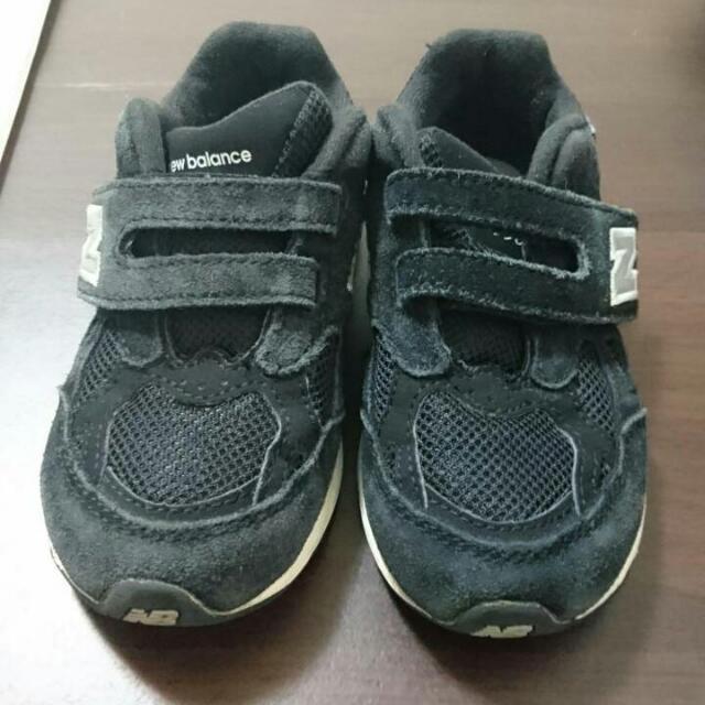 2手NEW BALANCE 黑色麂皮跑步鞋 運動鞋16公分