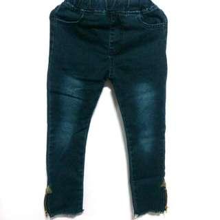 女童刷色牛仔褲
