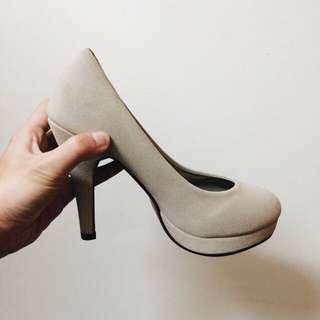 裸色高跟鞋 全新
