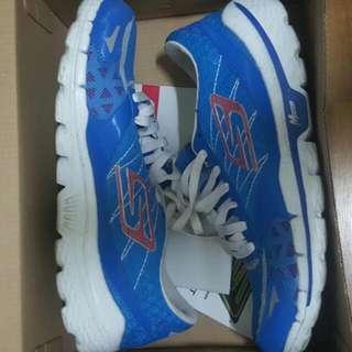 SKECHERS 慢跑鞋