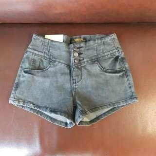 全新 S 高腰短褲