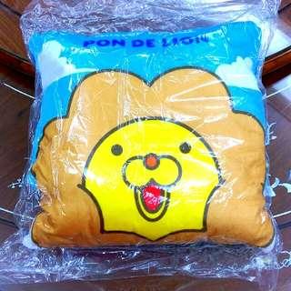 MOS 奶油獅 抱枕