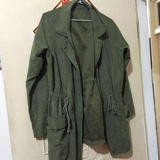 全新軍綠色風衣外套