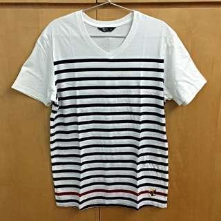 NET T-shirt V領 線條紋路