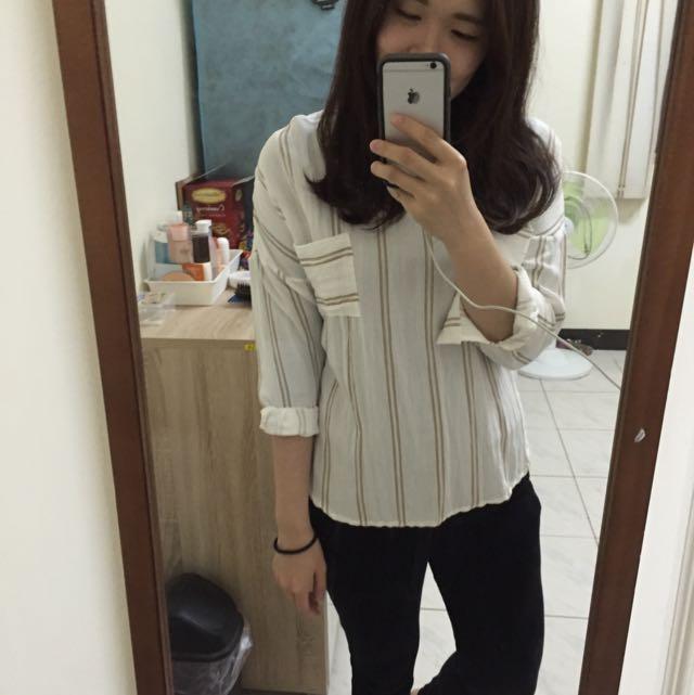 條紋白襯衫