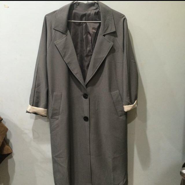 質感灰長版外套