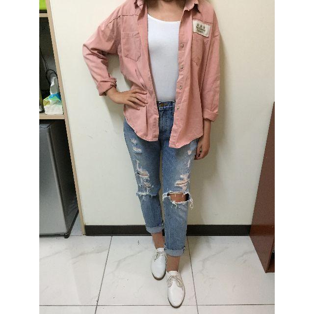 粉色襯衫 + H&M白上衣 + BF破褲