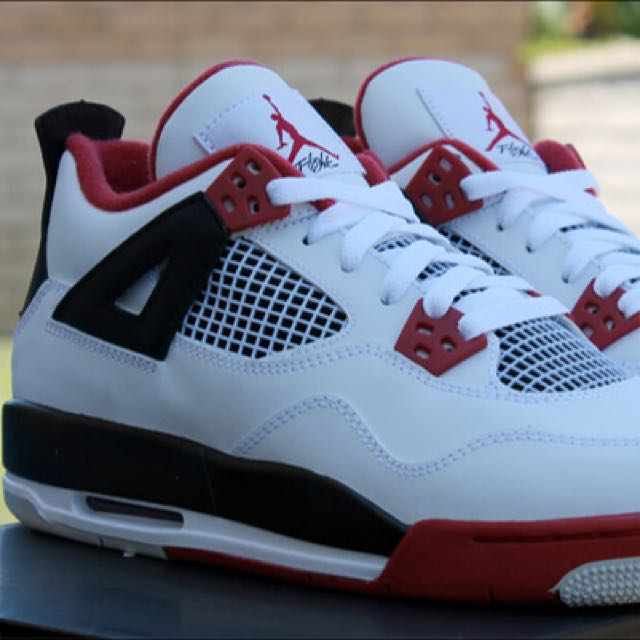 Air Jordan 4 Retro GS - Fire Red - Size US4.5y ccb8e0357