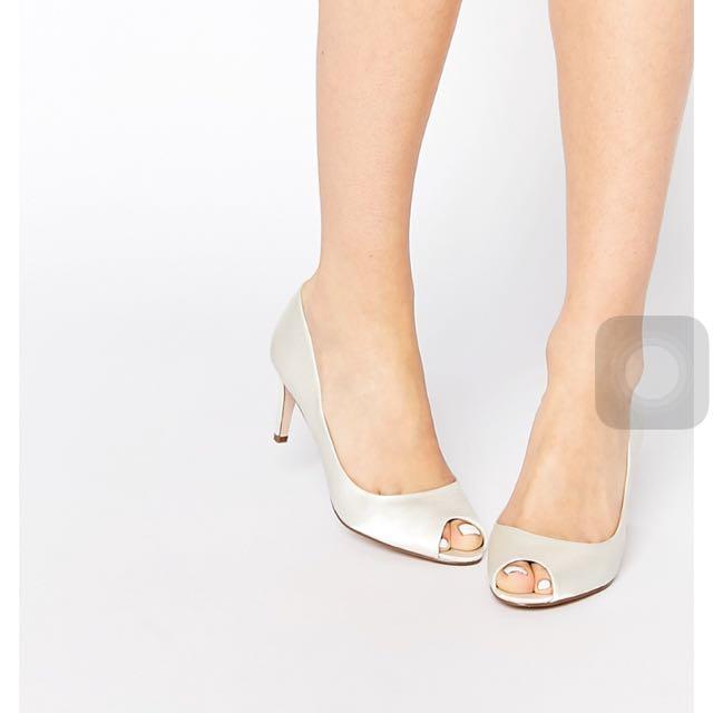 全新asos白色露趾高跟鞋