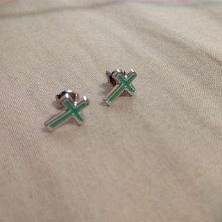 湖水綠十字架耳環
