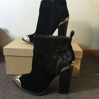 Size 7 ZU Ankle Boots