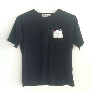 Cat-in-the-pocket Tee