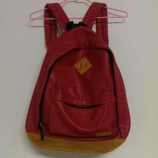 紅色皮革後背包