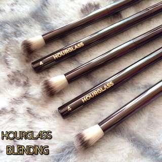 Hourglass Blending Brush