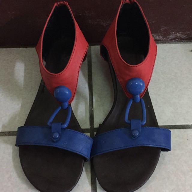 紅藍涼鞋38號
