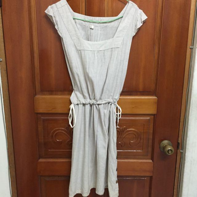 杏色連身裙(側邊有綁帶)