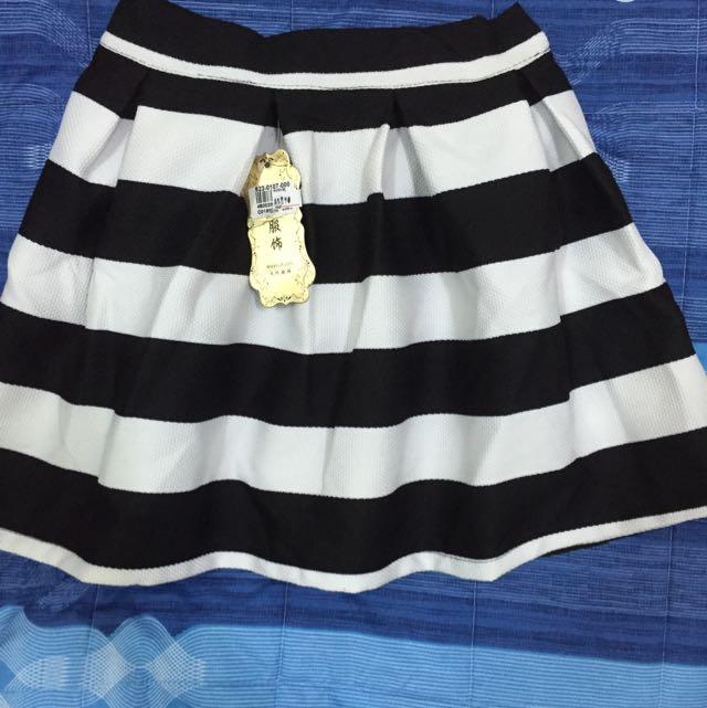 🎀全新(含運)黑白短裙!