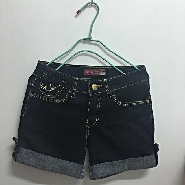 ⚠️郵寄220含運⚠️‼️9成新‼️深藍色牛仔短褲 - S號